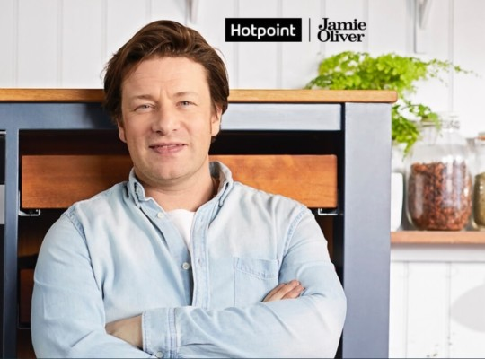 Get a free Hotpoint Microwave with your new kitchen
